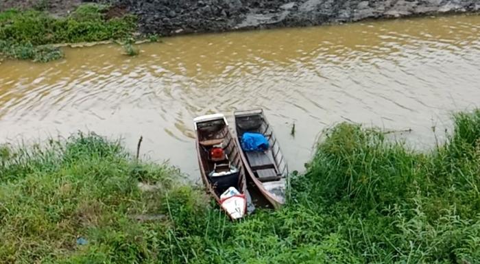Perahu kecil di Alur Tano Ponggol saat aku ke lokasi bareng Kemen PUPR. (Dokpri)