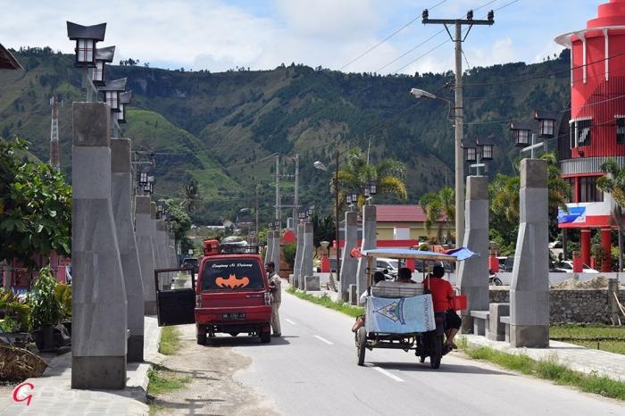 Jalan Sisinganmangaraja Desa Untemungkur, Muara, Tapanulis Utara. (Foto Ganendra)