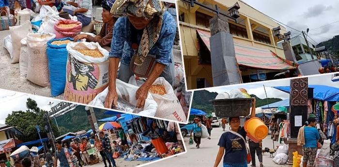 Ramainya Pasar Muara depan Pelabuhan Muara. (Foto Ganendra)