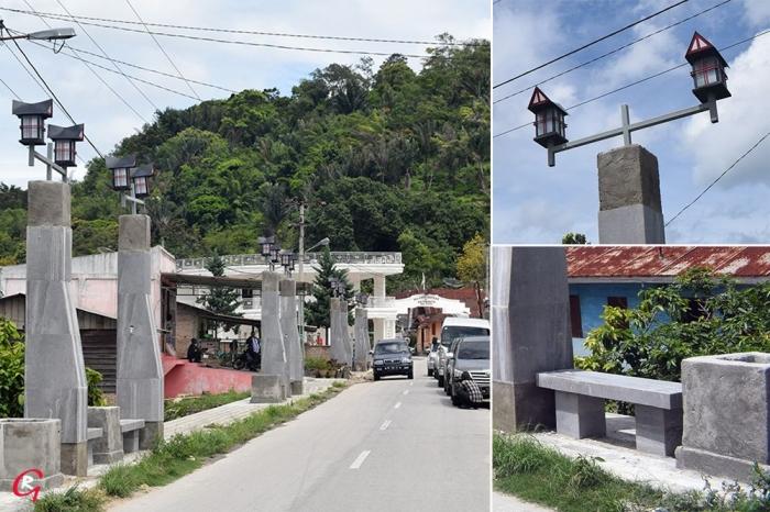 Pedestrian dan lampu penerangan di Jalan Sisingamangaraja, Muara, Tapanuli Utara.. (Fot Ganendra)