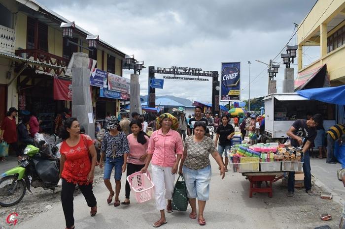 Pasar Muara dan Pelabuhan Muara. (Foto Ganendra)