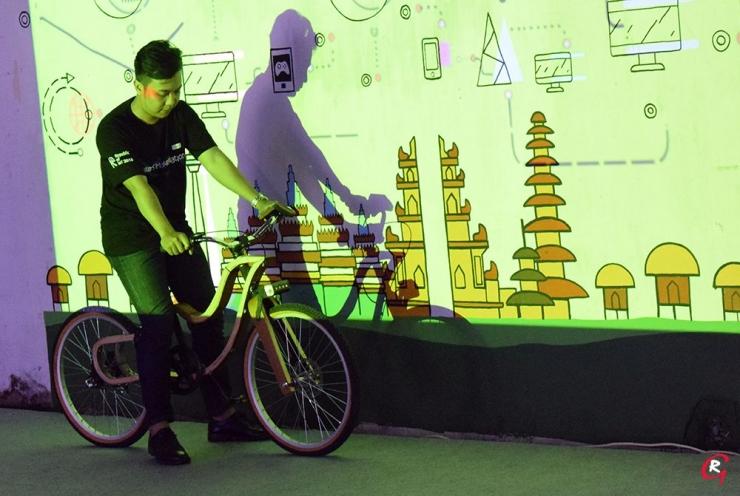 Sepeda kayu produk Kayuh. (Foto Ganendra)