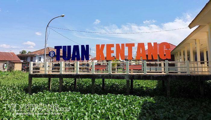 Dermaga belakang Tuan Kentang dari muara sungai