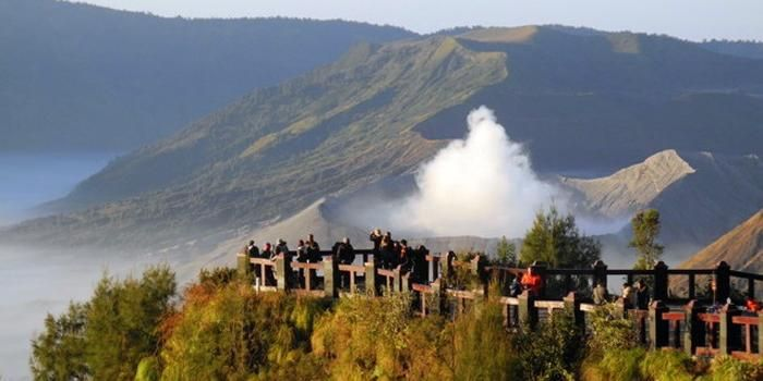 2016-06-06-bukit-kingkong-hanz-bromo-5c4855ffc112fe4be675ac03 - Witness the Exotic Golden Sunrise of Bromo - paket wisata