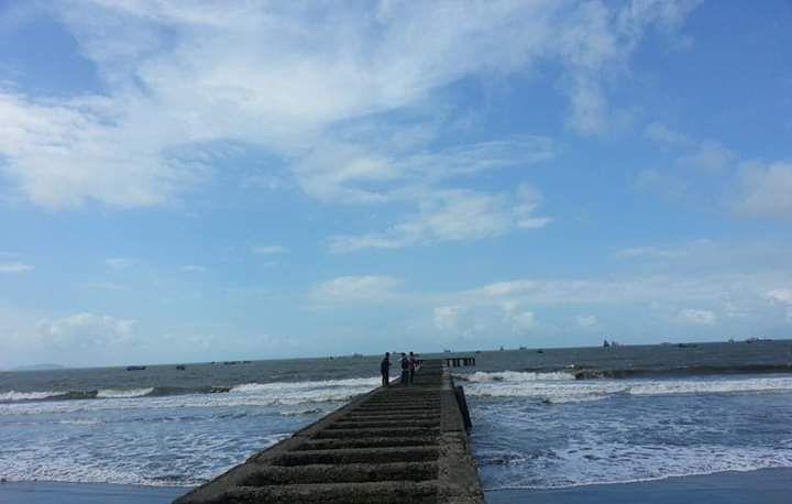 Pantai Teluk Penyu. Photo by Ari