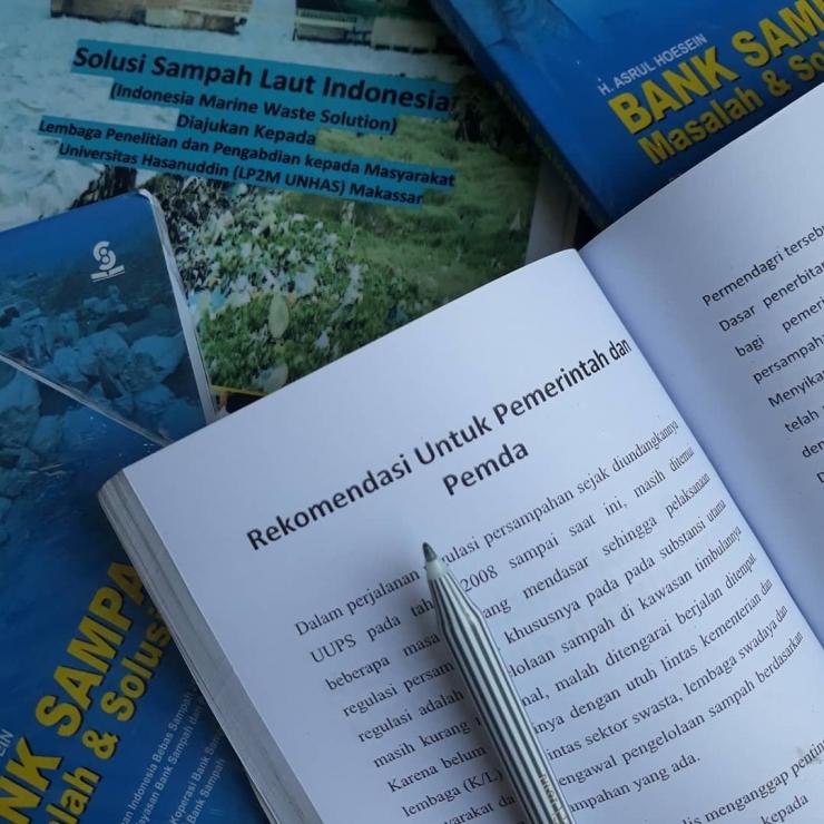 Ilustrasi: Bank sampah merupakan basic waste management Indonesia. Sumber: Pribadi