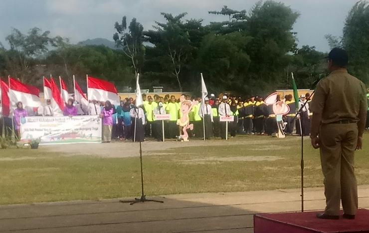 Upacara pembukaan Kejurda Pelajaran se Kabupaten Bangka di lapangan Bina Satria Sungailiat (dokpri)