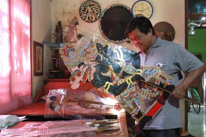 Karya Isyanto menjadi buruan kolektor | dokpri