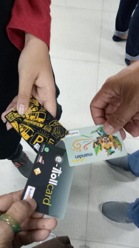 Uang Elektronik Memudahkan Pembelian Tiket MRT (Sumber gambar : dok.pri)