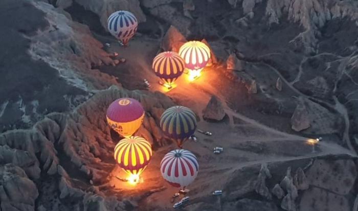 Beberapa balon yang tengah bersiap untuk mengudara (Koleksi pribadi)