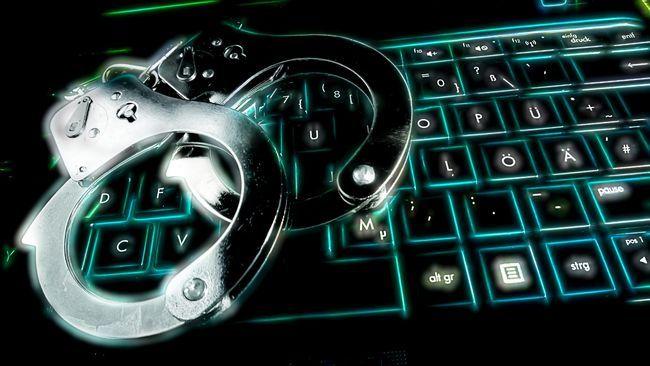 Sumber foto: https://www.cnnindonesia.com/nasional/20151021181725-12-86435/bareskrim-tangkap-ratusan-wna-tersangka-cyber-crime