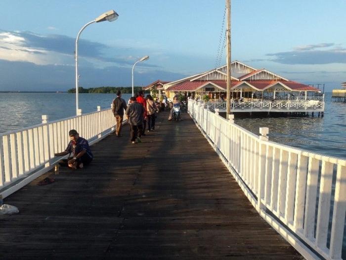 Lokasinya di ujung perkampungan air Bontang Kuala (dokpri)