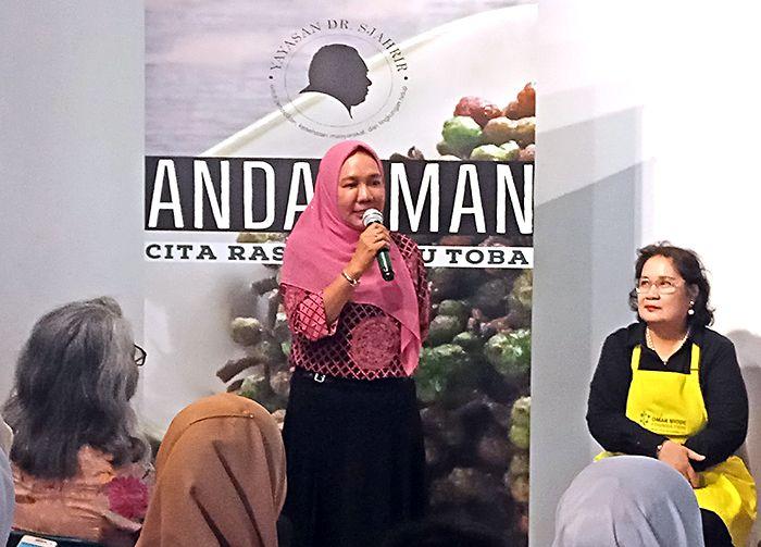Dr. Ir. Hj. Wan Hidayati, M.Si selaku Kepala Dinas Kebudayaan dan Pariwisata Provinsi Sumatera Utara. (Foto GANENDRA)