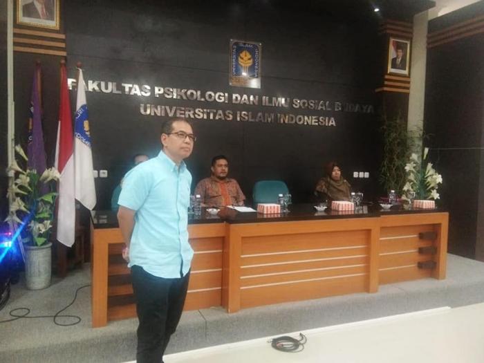 M Hamied Wijaya Direktur SDM Pelindo 1 Medan sebagai narsum