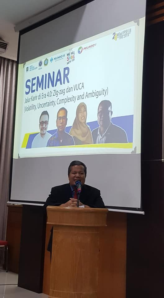 Dr Fuad Nashori, MSi, Dekan PsiB UII membuka seminar