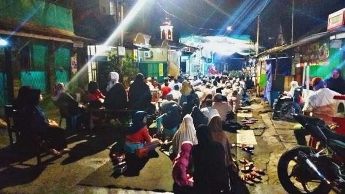 Suasana peringatan isra mi'raj di RW 06 Tanjung Duren Selatan