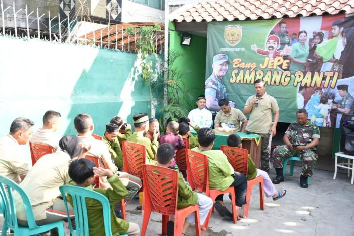 Suasana Bang JEPE Sambang panti di asrama Yatim & Dhuafa Petojo Selatan