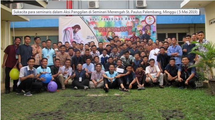 Para Seminaris bersama Rm. P. Haryanto SCJ