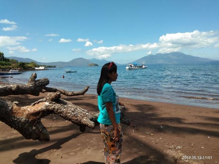 Dokpri : Pesona pantai Oka berlatar belakang pulau Waibalun dan Adonara