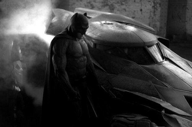 Penampilan Ben Affleck Sebagai Batman(denofgeek.com)