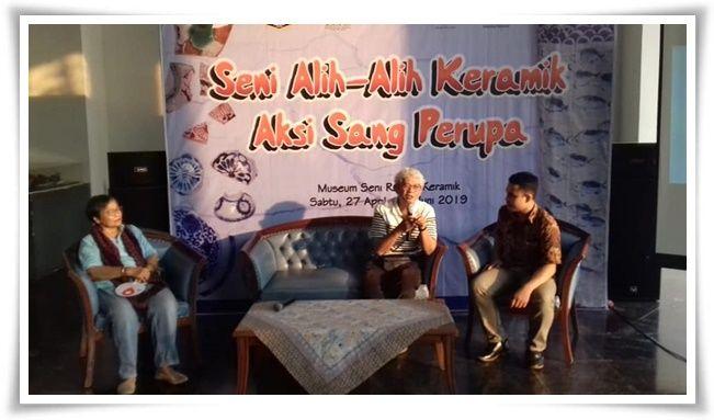 Dari kiri Bu Naniek, Pak Sonny, dan Mas Fajar sebagai moderator (Dokpri)
