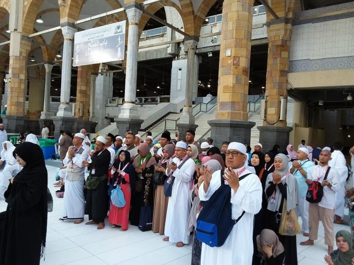 Berdoa usai tawaf wada. Foto | Dokpri