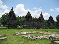 Komplek Candi Lumbung (Wikipedia)
