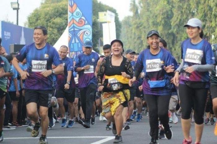Menteri BUMN Rini Soemarno di antara peserta (Foto: Tribunnews via Kompas.com)