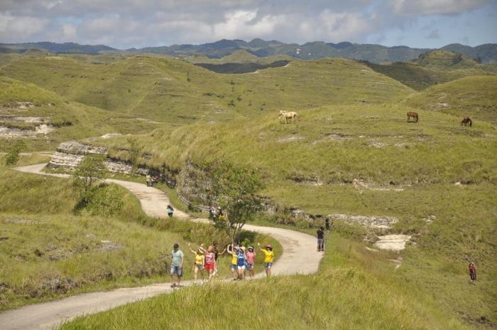 Pemandangan Bukit Tanarara yang difoto dari atas (dokpri)