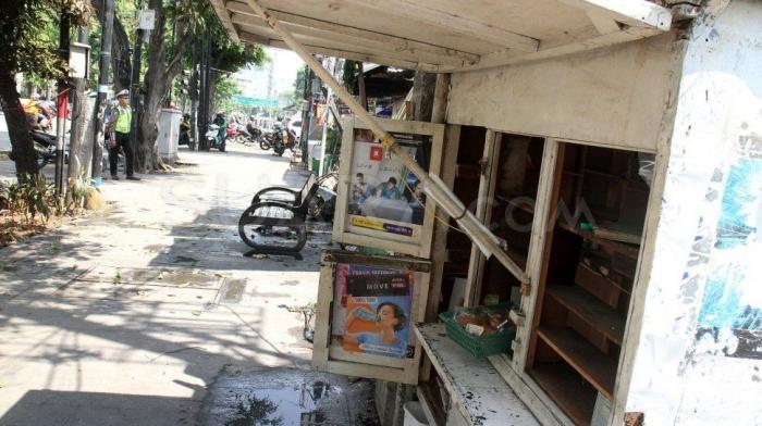 Warung kecil milik warga di Jl. Sabang yang habis dijarah pelaku kerusuhan 21-22 Mei (suara.com).