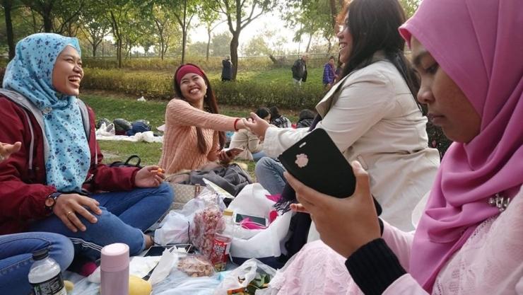 Keceriaan teman- teman saya yang sedang berkumpul bersama di Taman Lai Chi Kok   Dokumentasi Pribadi