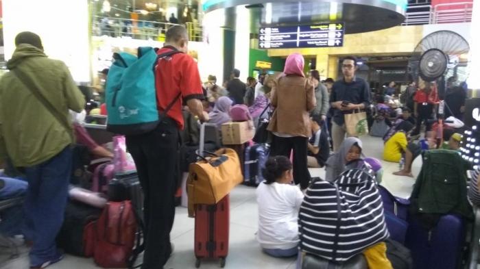 Semakin mendekati hari raya Idul Fitri, stasiun kereta api semakin dipadati para pemudik (dok.windhu)