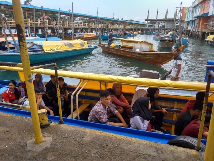 Boat yang jadi andalan transportasi. | Dokumentasi Pribadi
