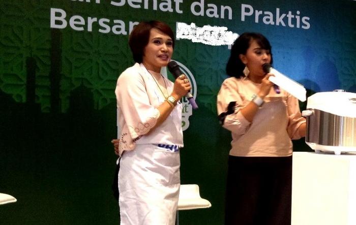 Rita Ramayulis DCN, M Kes (kiri) - Dokumentasi pribadi