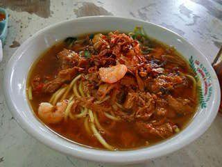 Mie ayam, enak disantap setelah makanan serba bersantan di hari lebran (dok.windhu)