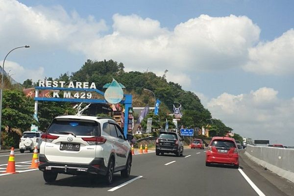 Rest Area tol trans Jawa. Sumber: solopos.com