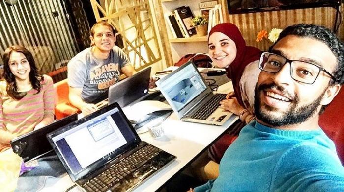 Cari teman yang memiliki pikiran positif (Sumber : crowdsource.com)