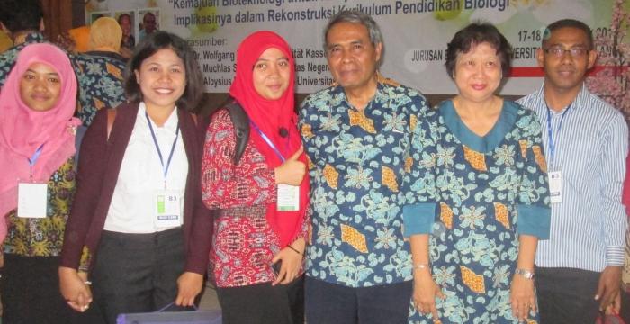 Pemakalah bersama Nara Sumber Seminar Nasional di Universitas Negeri Malang, Tahun 2015