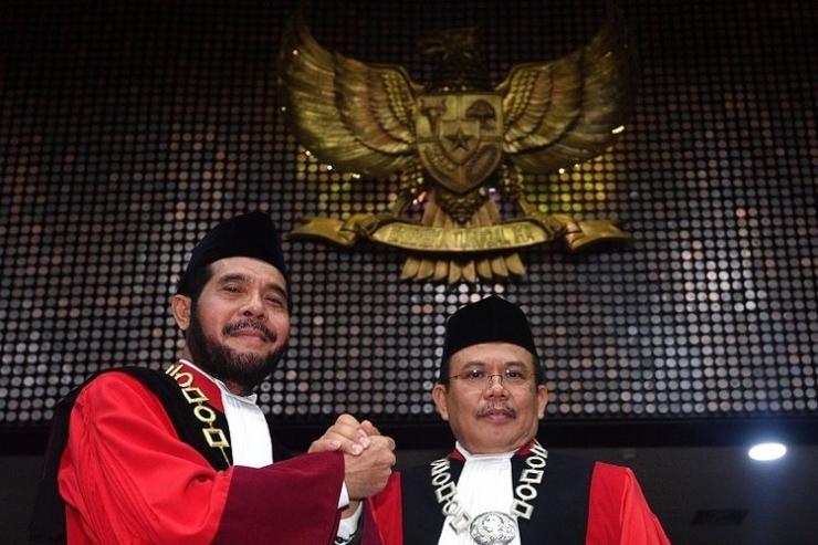 Anwar Usman dan Aswanto resmi menjadi Ketua dan Wakil Ketua MK periode 2018-2020. (ANTARA FOTO/SIGID KURNIAWAN) | Kompas.com