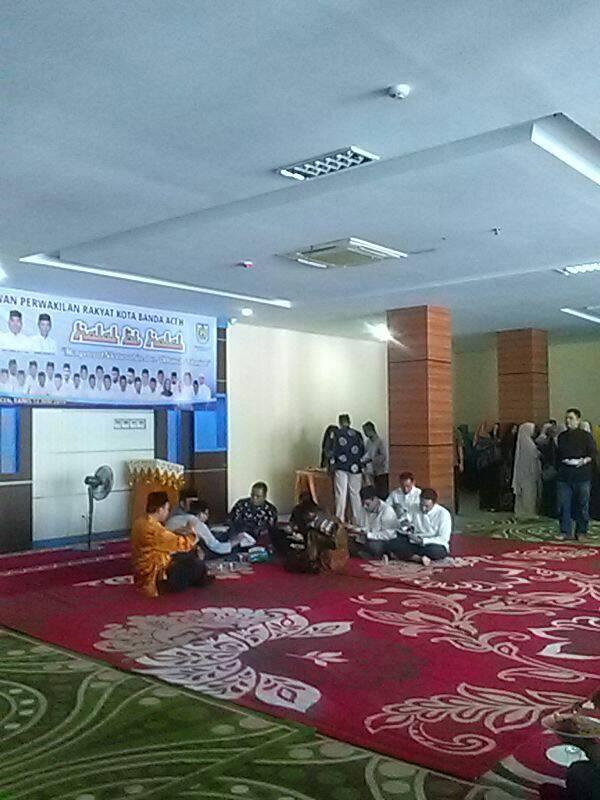 Walikota Banda Aceh Aminullah Usman ramah tamah dengan ketua dan para anggota DPRK Banda Aceh | dokpri