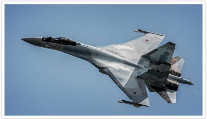 Deskripsi : Pembelian Sukhoi SU-35 dengan imbal beli dan imbal dagang I Sumber Foto : theaviationist.com