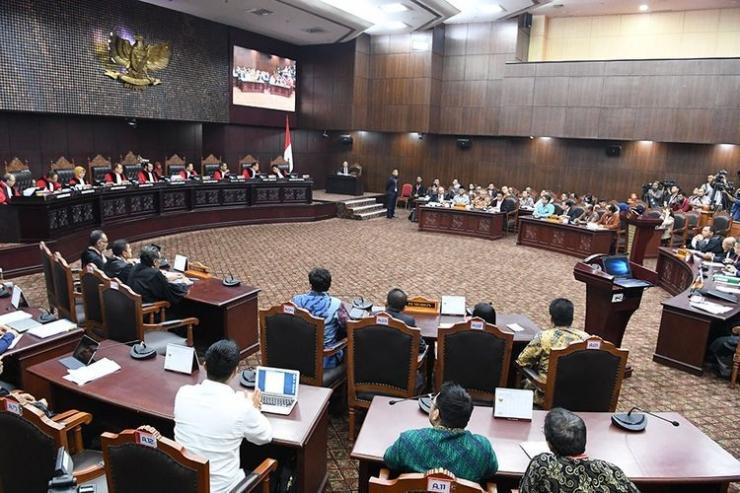 Suasana sidang lanjutan Perselisihan Hasil Pemilihan Umum (PHPU) Pilpres 2019 di Gedung Mahkamah Konstitusi, Jakarta, Selasa (18/6/2019). Gambar: kompas.com