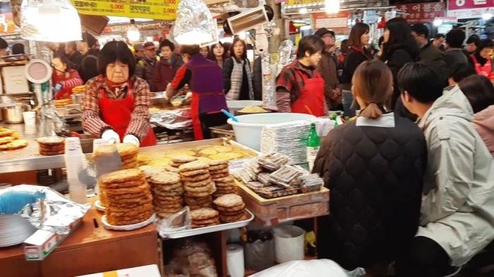 Wisata kuliner di Gwangjang Sijang (dokpri)