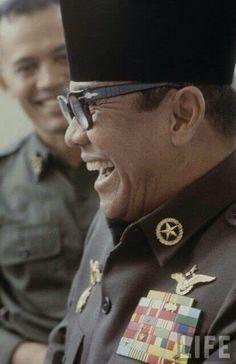 Presiden RI Pertama, Ir Soekarno (sumber:id.printerest.com)