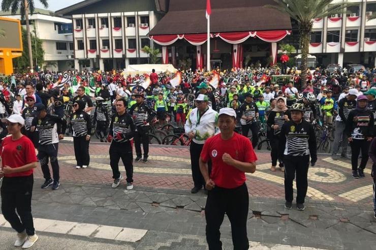 Peserta Gower Nusantara 2019 di kota seribu sungai ber SKJ di depan kantor walikota Banjarmasin,sabtu 8/9-2019(sumber:kompas.com)