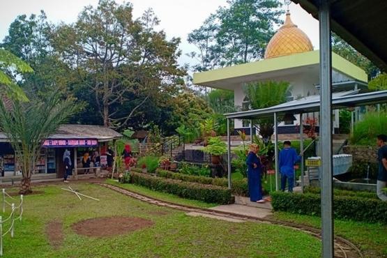 Kedai Hidayatul Muna (dokumen pribadi)