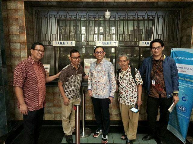 Kompasianer berphoto bersama Bapak Juanto Herdiawan dan Adi Nugroho (dok. Andri Mastiyanto)