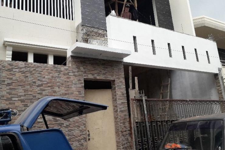 Sebuah Rumah di Jakarta dirobohkan karena melanggar IMB   Sumber gambar : properti.kompas.com