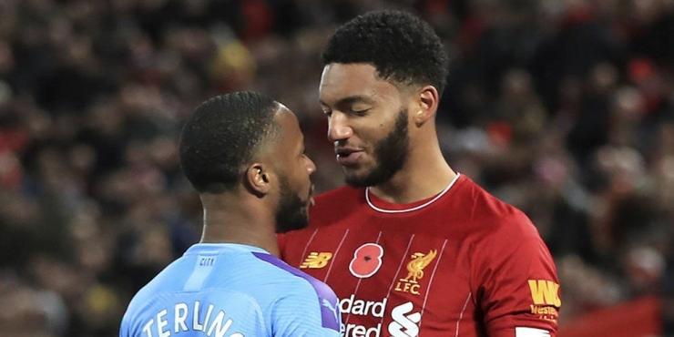 Sterling dan Gomez pada laga Liverpool vs Manchester City, sumber : https://cdns.klimg.com/bola.net/library/upload/21/2019/11/raheem-sterling-vs-j_9b50649.jpg