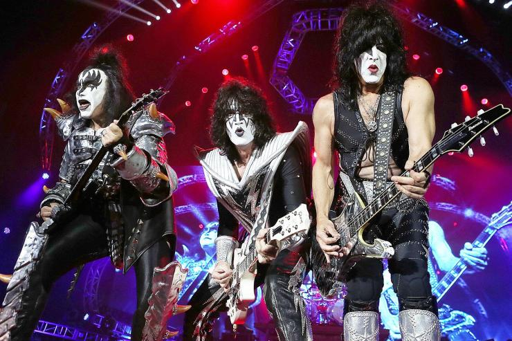 Band rock Kiss. Segera pensiun (ultimateclassicrock.com)